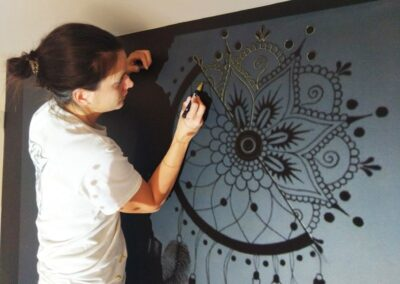 AM PEINTURE : Décoration murale : traçage à main levée d'une fresque murale