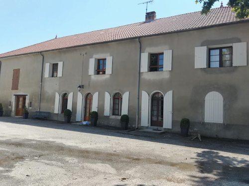 AM PEINTURE : prestation peinture : remise en états de menuiseries d'une maison de ferme Alpes de Haute Provence