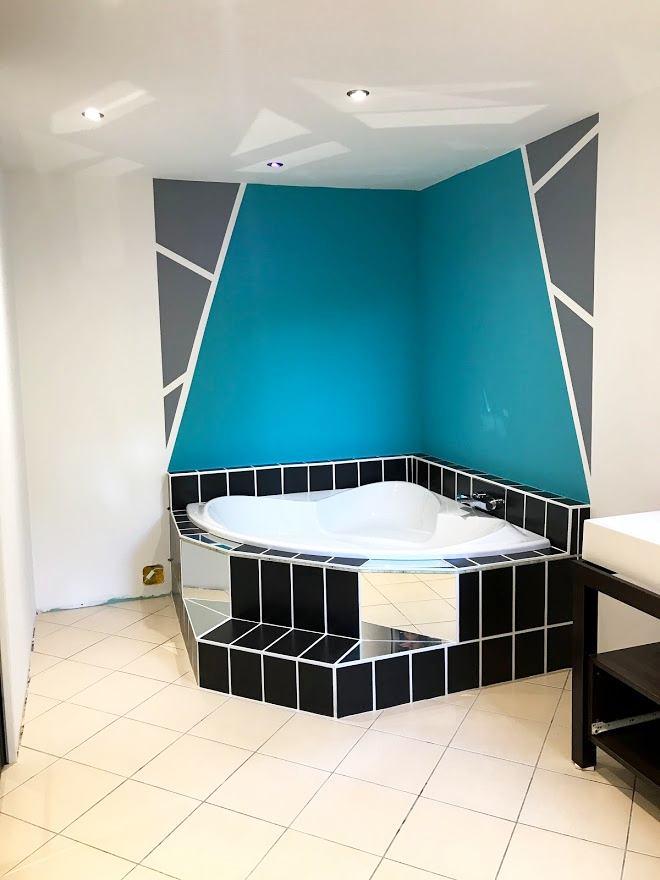 Mise en peinture traditionnelle - peinture décorative d'une salle de bain - AM PEINTURE