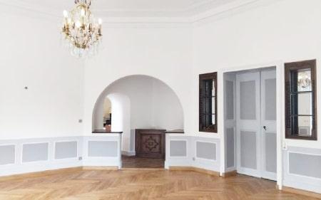 AM PEINTURE : Rénovation d'un lieu de réception : peintures claires et belles finitions